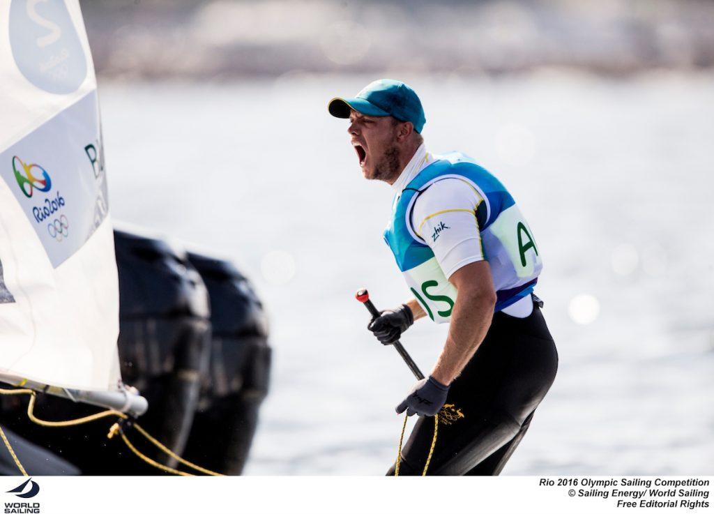 L'urlo dell'australiano Burton dopo la rimonta completata su Stipanovic che gli è valsa l'Oro. Foto Sailing Energy