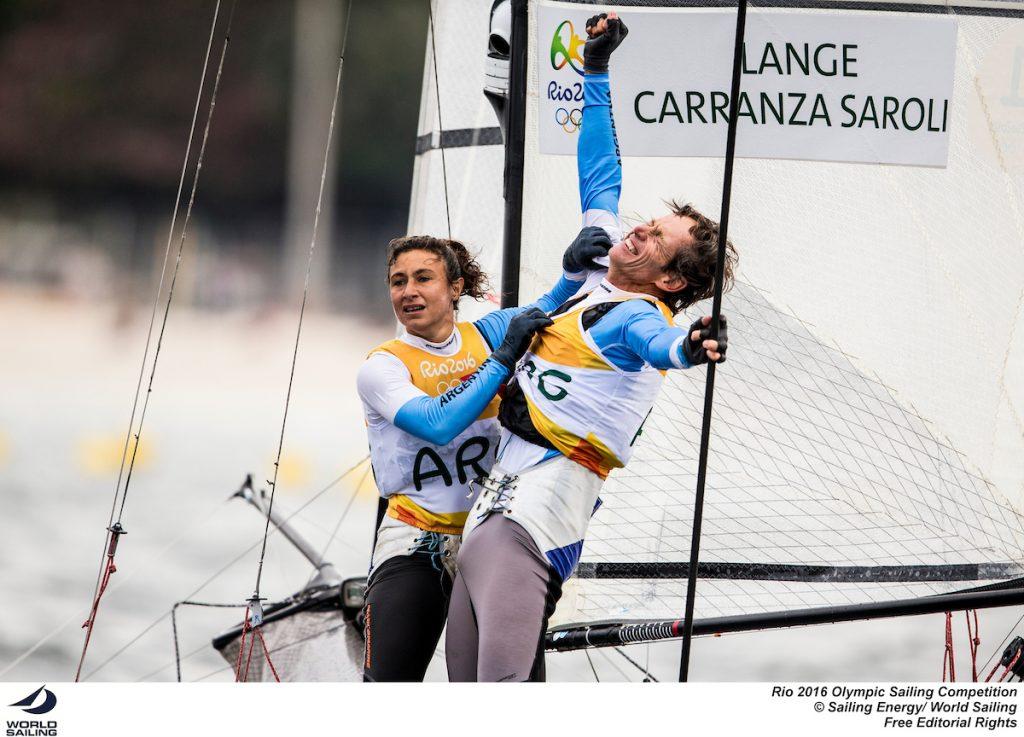 Santiago Lange e Cecilia Carranza esultano dopo la conferma della conquista dell'oro. Foto Sailing Energy