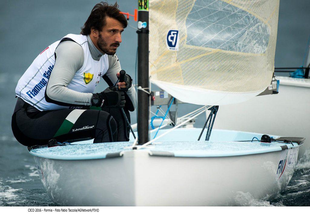 Giorgio Poggi, in testa nei Finn. Foto Taccola
